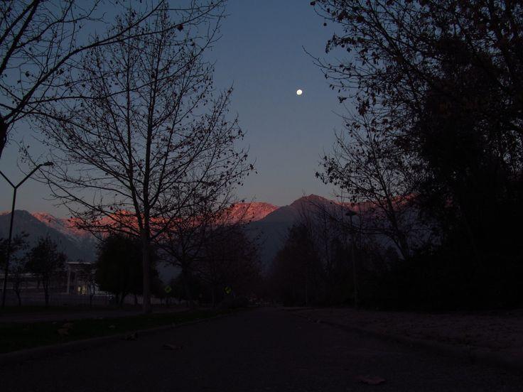 Noche en Santiago de Chile.  https://www.youtube.com/user/YejezkelMotorcycle https://www.facebook.com/Yejezkel.Jaziel http://pinterest.com/yejezkeljaziel