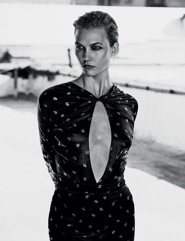 RECOLLECT VINTAGE / INSPIRATION | Karlie Kloss flaunts some skin in dress with cutout