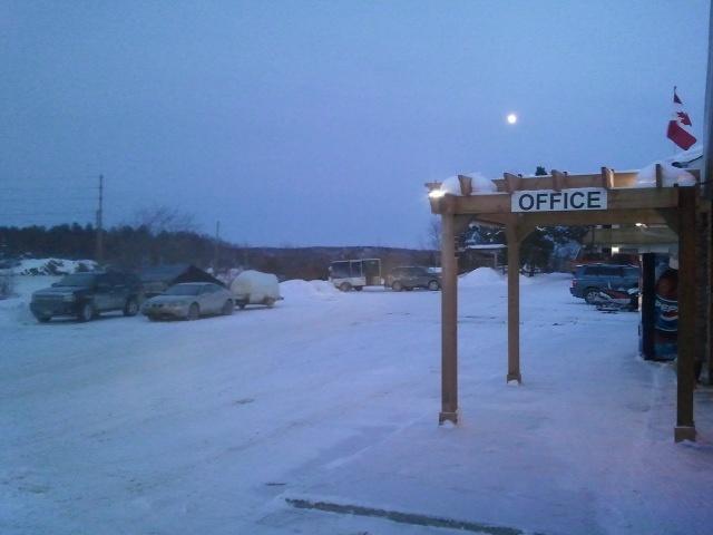 Enjoying a great night under the moonlight light @ the Moonlight Inn and Suites Sudbury. (705) 566-0321