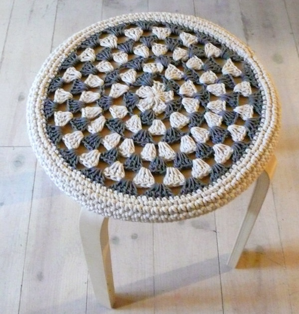 Crochet Stool Cover  greey and ecru by lacasadecoto on Etsy