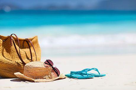 Kauneusalan markkinointi / Blogi: Kesä ja kauneusalan kärpäset