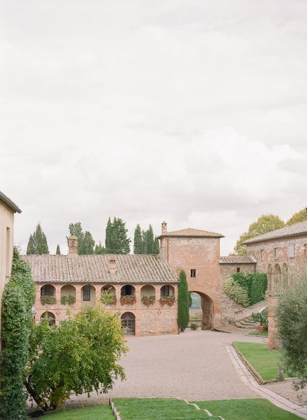 Peter And Veronika | Destination Wedding Photographers | Destination Wedding In Tuscany | Destination Wedding In Italy | Destination Outdoor Wedding In Tuscany Valdorcia| Wedding Photographer In Tuscany | peterandveronika.com