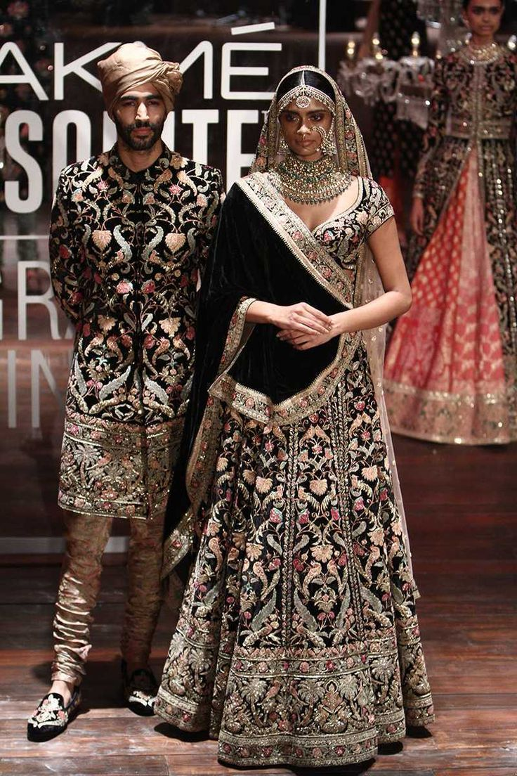 We chose Sabyasachi & Payal Singhal's Winter 2016 Collections best bridal lehengas, anarkalis for your Indian wedding looks #shaadibazaar