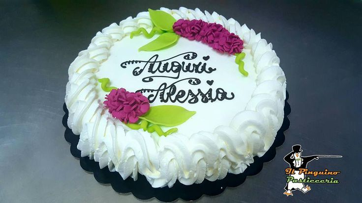 Tortina per il compleanno di Alessia... #ilpinguinocarpegna #torta #cibo #cibosano #pasticceria #pasticceriaitaliana #pastry #pastrychef #dessert #desserts #food #foods #sweet #sweets #dessertporn #cake #foodgasm #foodporn #delicious #instafood #instafoodies #artigianale #pasticceriaartigianale #dolciartigianali #cakedesign #birthday #birthdaycake #happybirthday #butterfly #compleanno #tortadicompleanno