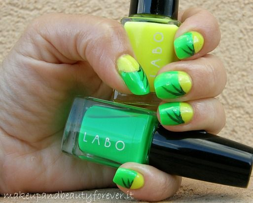 Smalti-Fluo-Labo-Led-Nail-Polish-smalti-swatch-swatches