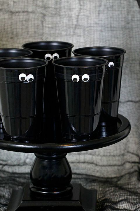 45 DIY Halloween Decorations That Are So Easy It\u0027s Scary Not So - not so scary halloween decorations
