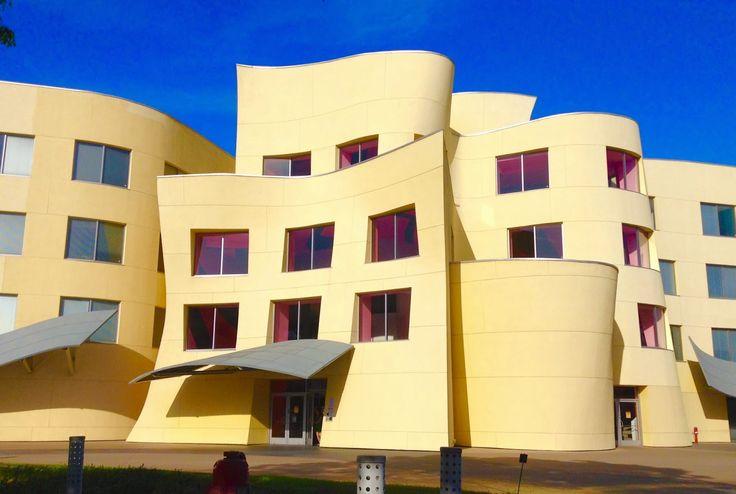 Frank Gehry - Team Disneyland Administration Building ...