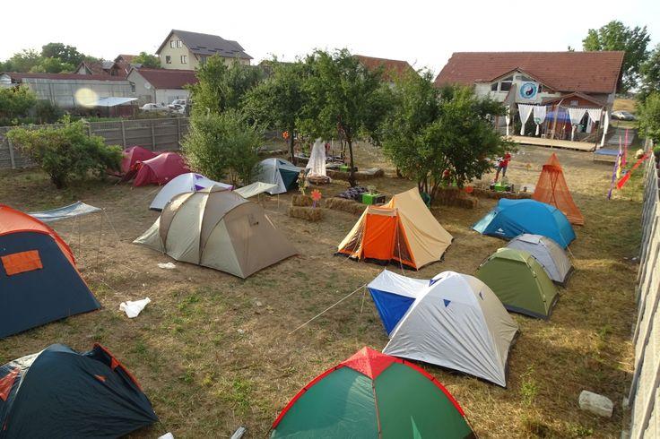 Cum puteti transforma o curte aparent banala, intr-un loc veritabil pentru campare si voie buna :) Detalii pe BricoHub.ro