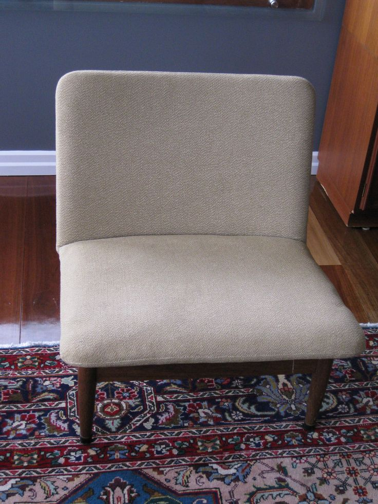 DQF Viking Chair, front view