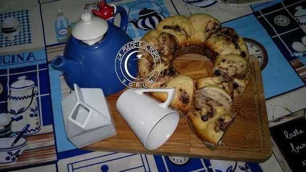 Pane al latte con pezzettoni di cioccolato, cottura in fornetto Versilia http://www.lapulceeiltopo.it/forum/ricette-lievitati-e-imapsti-base-con-le-mani-in-pasta/2004-pane-al-latte-con-pezzettoni-di-cioccolato,-cottura-in-fornetto-versilia#2767