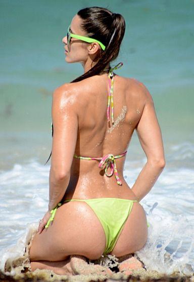 Anais Zanotti – Bikini Body Booty Spectacular Time In Miami, Sexy babe