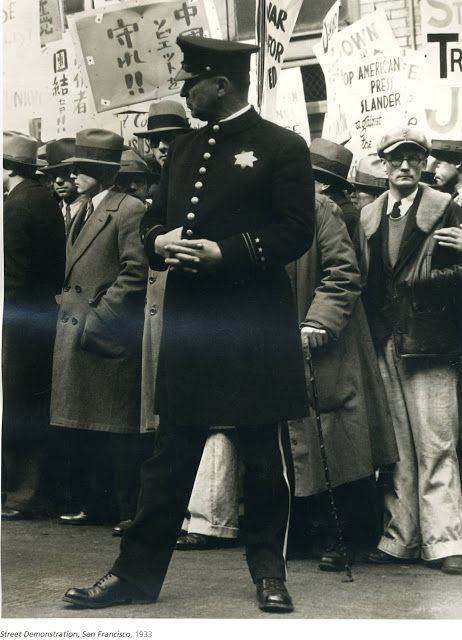 Dorothea Lange. The great depression, street demonstration 1933