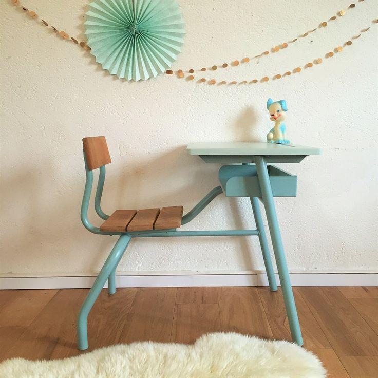 17 best ideas about pupitre enfant on pinterest pupitre colier bureau d colier and bureau d - Pupitre enfant bois ...
