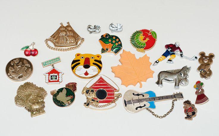 Значки (будка со щенком, кораблик, вишни). Вспомни детство СССР - http://samoe-vazhnoe.blogspot.ru/