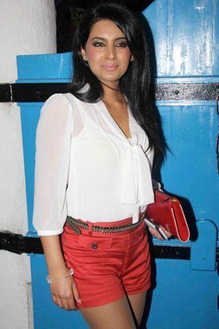 Geeta Basra denies wedding with Harbhajan Singh!