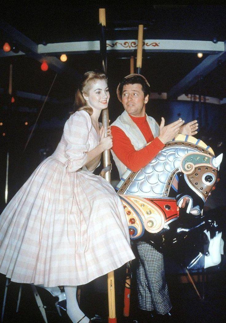 Carousel 1956  Shirley Jones and Gordon MacRae