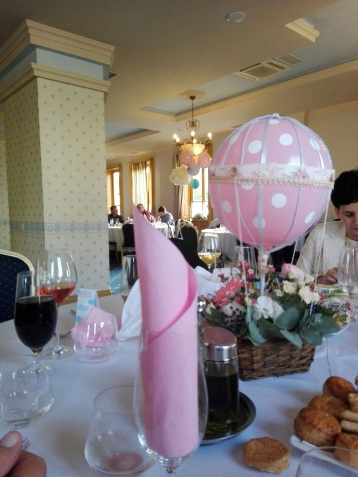 Powder pink floral hot air balloon centerpiece for a baby girl by Atelier Floristic Aleksandra