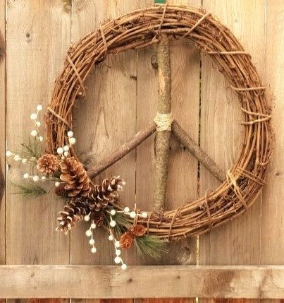 Peace Sign Christmas/Winter Wreath/ Natural Grapevine Peace Sign Wreath/Holiday Peace Sign/Boho Xmas/Christmas Peace Sign/Hippie Christmas