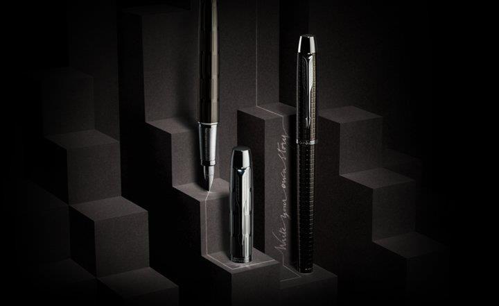 Parker IM Premium، بیان کاملی از سبک کلاسیک همراه با خطوط ظریف روی بدنه برای داشتن زیبایی وصف نشدنی. دارای طراحی ساده در عین حال مدرن و کارایی بالا برای راحتی در نوشتن. انتخاب هوشمندانه، کیفیت برتر برای هر خلق و طرز فکر.