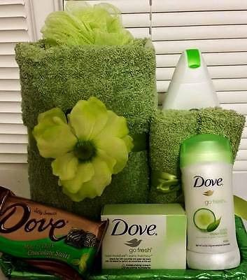 Dove Bath Set for Women - Cucumber and Green Tea