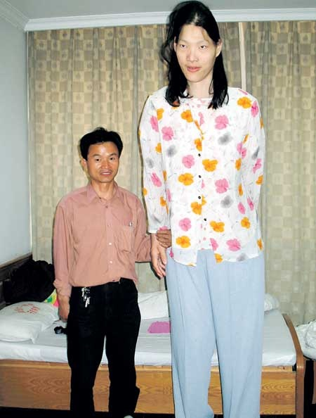 worlds tallest woman dies in china at age 39 � yao defen
