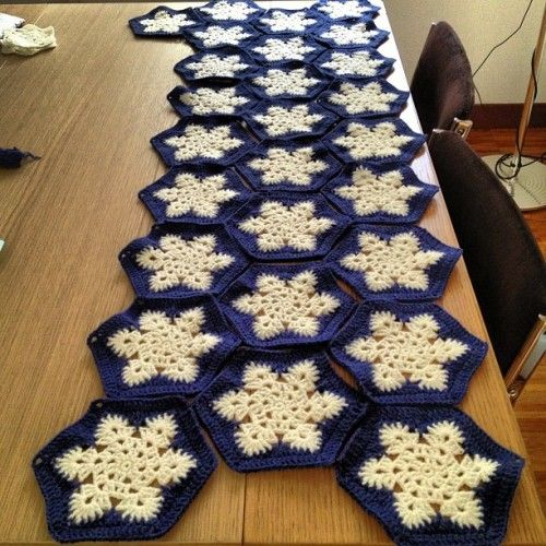 No meio do caminho!  Crochet # # # snowflakeafghan floco de neve (Scattata con Instagram)