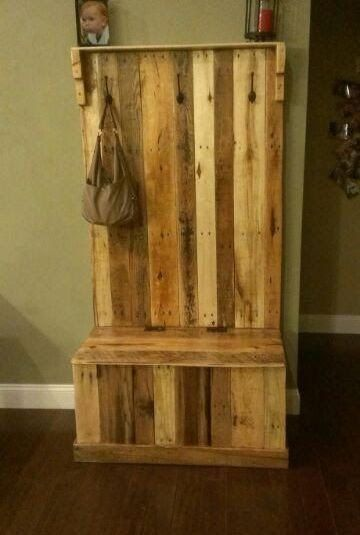 Entryway Coat Rack With Bench Made From Pallets --- #pallets