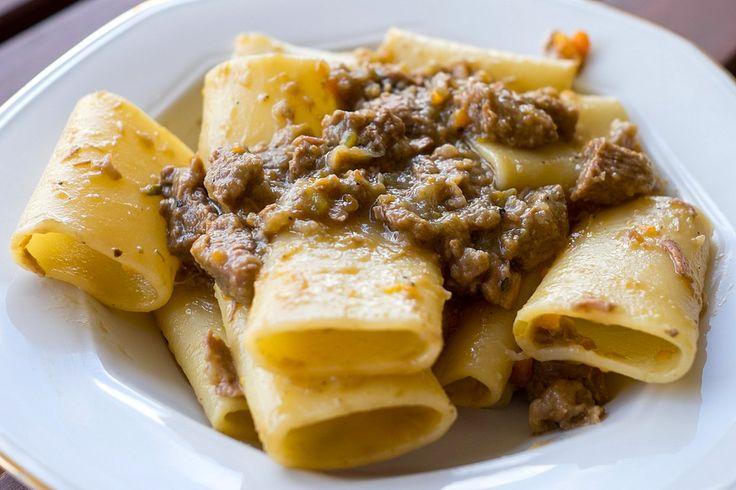 La Genovese si adatta molto bene alla cottura nella Slow Cooker. Cipolla e carne di manzo a fine cottura formano una salsa irresistibile!