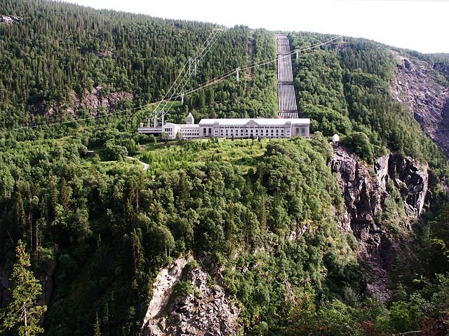 """The first power station was built at Vemork, then (1911) the biggest in the World, near the Rjukan Waterfall. It is now an industry museum. During World War II heavy water was produced her, actually as a byproduct of the water (lye) electrolysis. Did you see the film """"Heroes of Telemark"""", staring Kirk Douglas, showing saboteurs blowing up the factory in February 1943"""