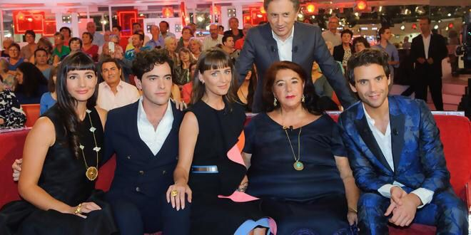 Mika and fam,  French TV 2015