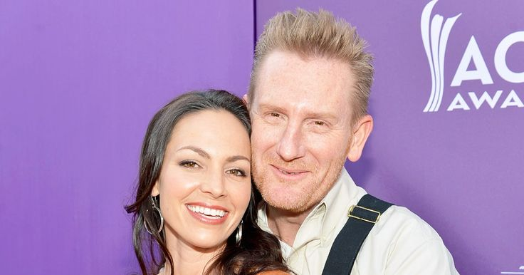 Us Weekly Video takes a look at Joey and Rory Feek's career, marriage and family life — watch