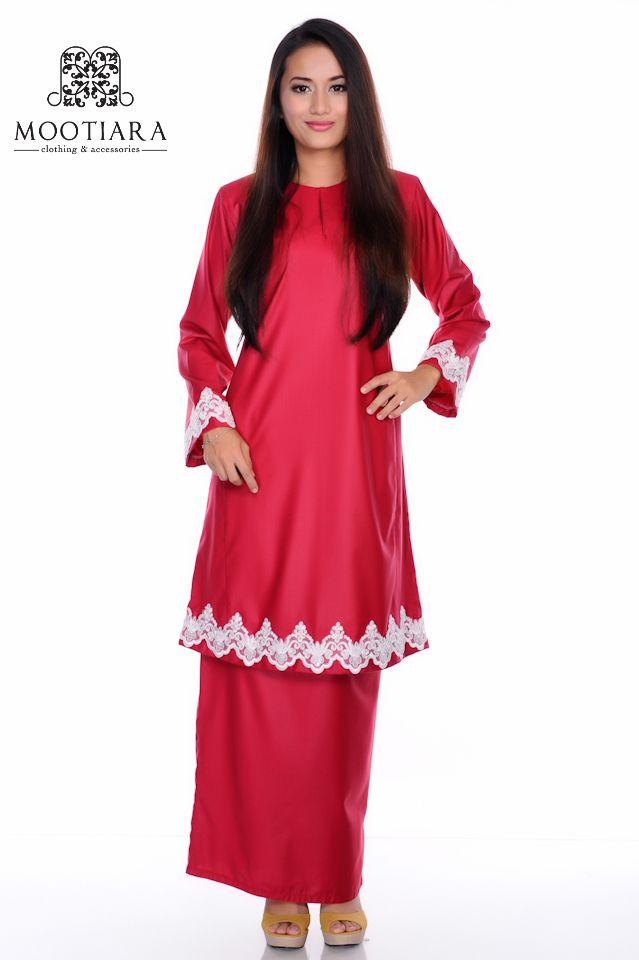 Dark red baju kurung pahang.