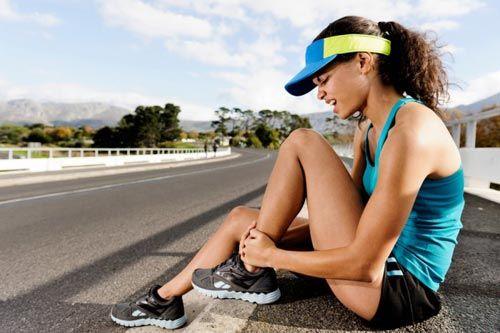 Τα κατάγματα κόπωσης είναι μικρά σπασίματα των οστών τα οποία προκαλούνται εξαιτίας των συνεχών και επαναλαμβανόμενων επιβαρύνσεων σε υπερβολικό ρυθμό όπως συμβαίνει για παράδειγμα κατά το τρέξιμο ή σε αθλήματα με συνεχόμενα άλματα. RunningNews.gr - Άρθρα