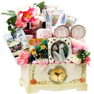 Chance to Win a Victorian Lace Gourmet Food Basket and Spa Set with Clock Chest « Victorian Lace Gourmet & Spa Sweepstakes « Kudosz Sweepstakes