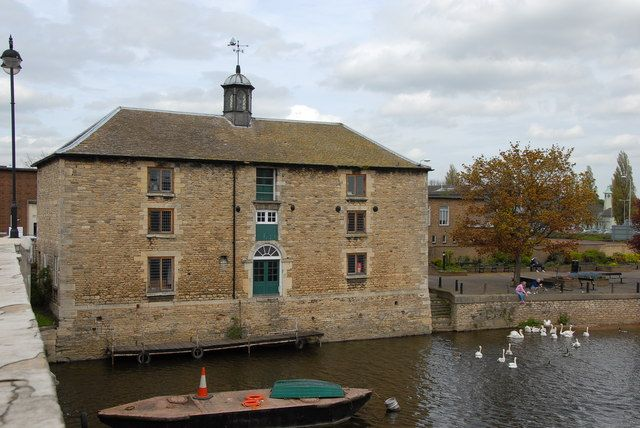 Customs House (1790) on the north bank of the river, from the Town Bridge. Peterborough