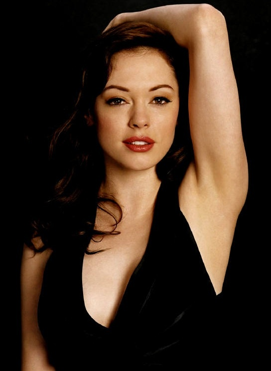 Rose Mcgowan--love her style and face--well, now I hate her newly botched face.