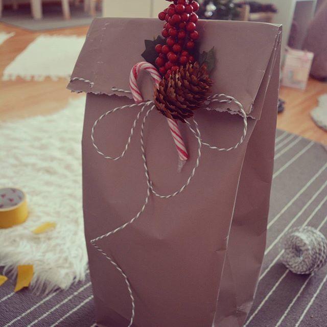 Rock your christmas packaging #christmas #slovakenglishpost #vianoce #baleniedarcekov #christmaspackaging #blogger #paperlover #diy