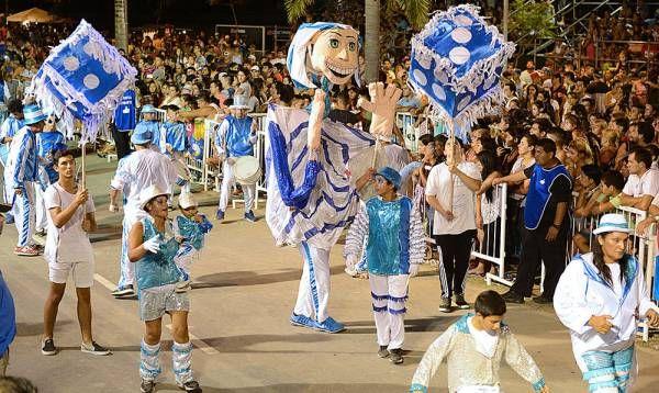 Música, color y alegría en la segunda noche de los Carnavales del Río en Tigre