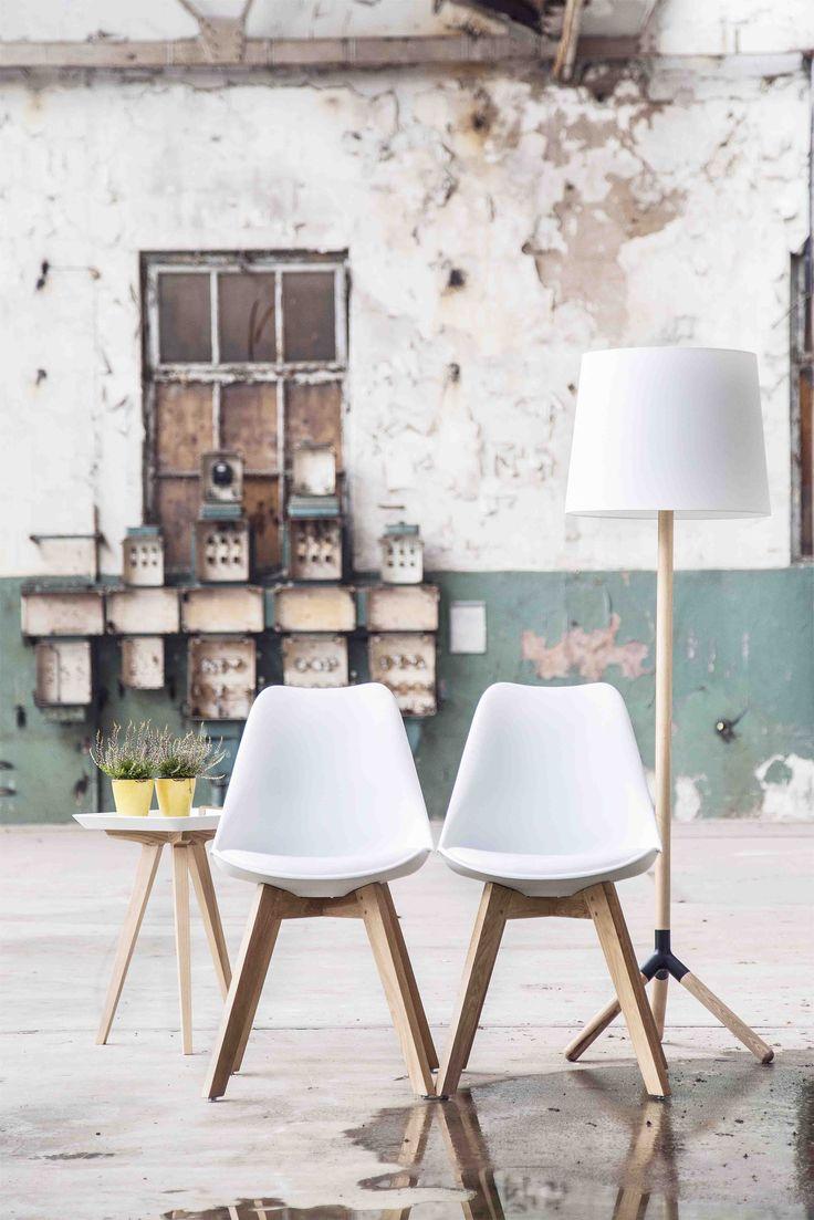 Chair Leisure - white | Floorlamp - wood/white | Endtable Square - white