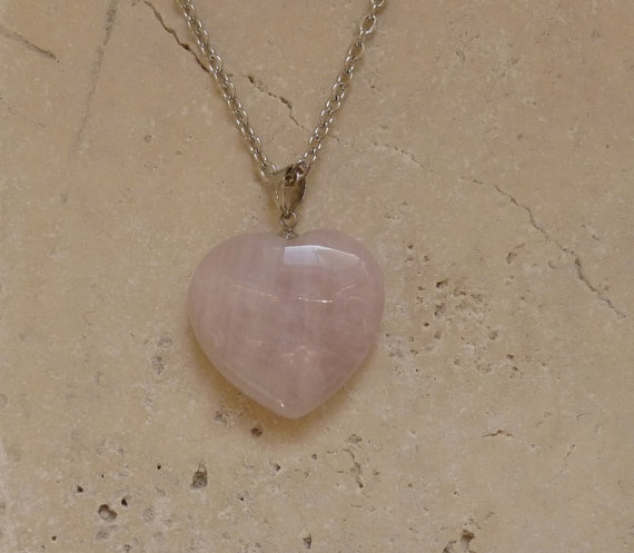 Heart shape pink quartz necklace / Gemstone by ShawlsandtheCity, $24.00