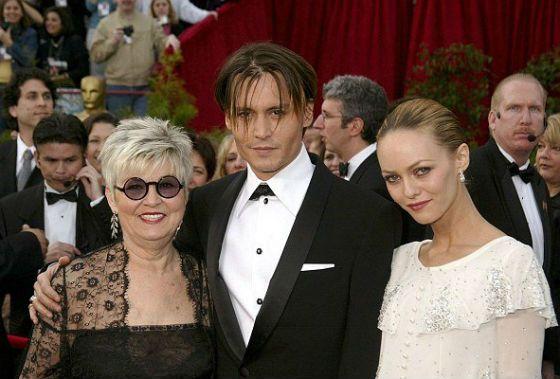 Джонни Депп с мамой и бывшей женой Ванессой Паради