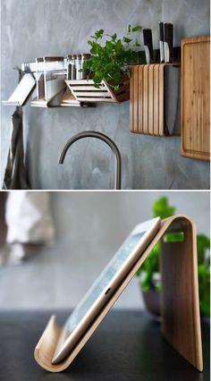 Ikéa ... Ikéa oui oui encore et toujours ! Une gamme d'accessoires pour la cuisine spéciale bambou avec des lignes tout en finesse. Du support tablette au bloc couteaux ... J'adore ! #ikéa #bambou #kitchenideas