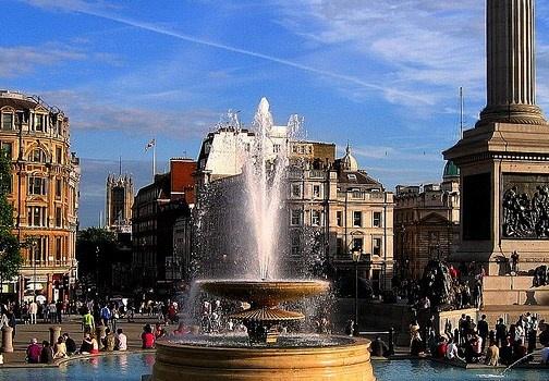 La piazza di Trafalgar Square è una delle più famose di Londra. Qui si trova la statua dell'ammiraglio Nelson e la National Gallery. http://www.marcopolo.tv/regno-unito/trafalgar-square-guida-londra