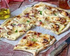 Tarte fine minceur chèvre et jambon : http://www.fourchette-et-bikini.fr/recettes/recettes-minceur/tarte-fine-minceur-chevre-et-jambon.html
