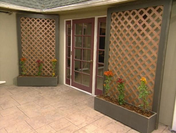 How to Build Lattice Wall Planters : Archive : Home & Garden Television