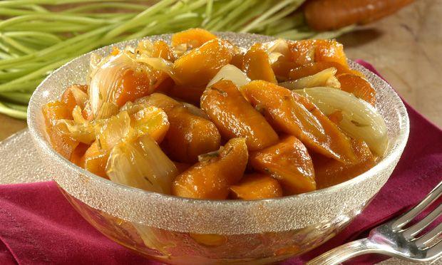Cenouras carameladas, sirva como acompanhamento de carnes em geral