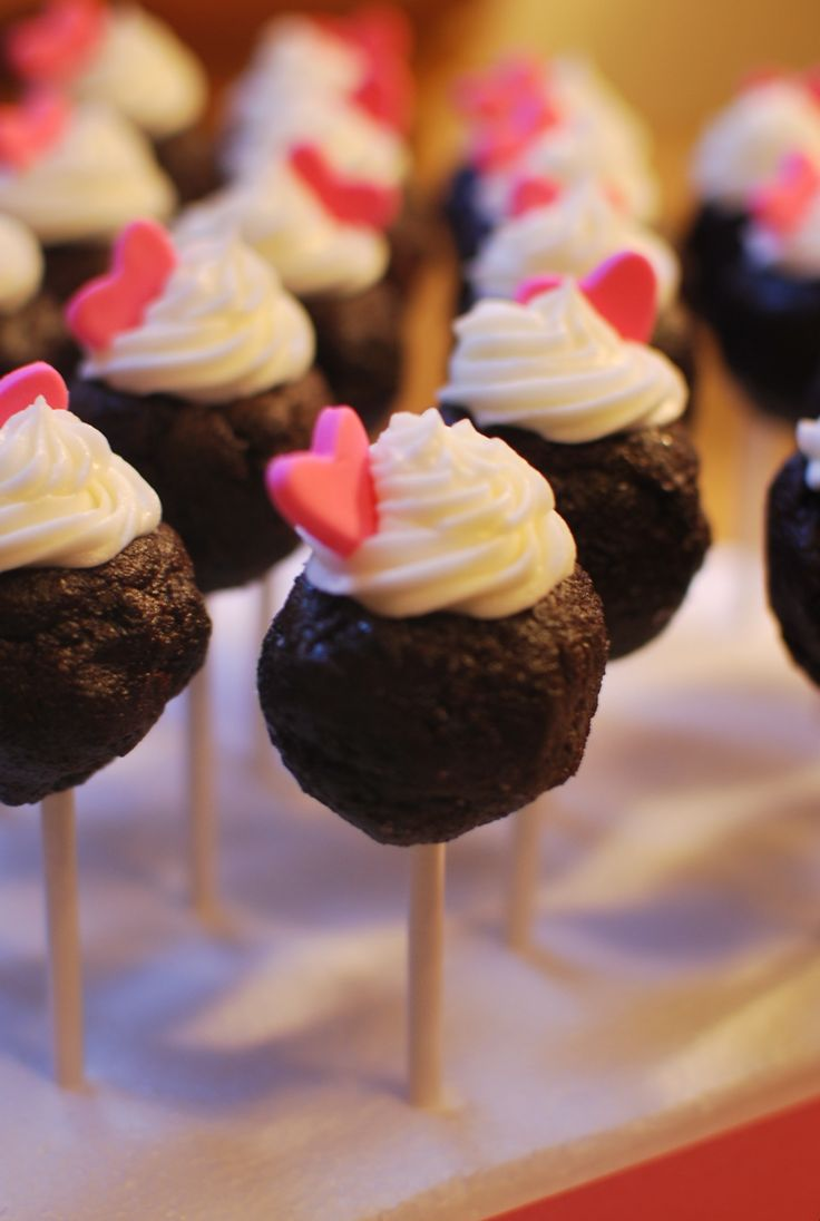 Chocolate cake pops with frosting