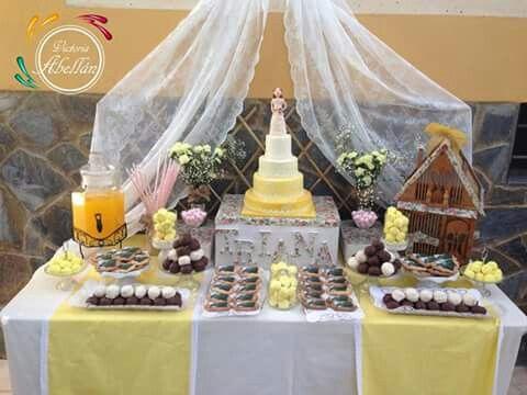mesa dulce tonos amarillos