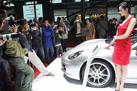 車と美女を目当てに多くの観客が詰め掛けた上海モーターショー=2013年4月、中国・上海Shanghai ▼10Jan2015時事通信|コンパニオン、廃止を検討=上海モーターショー http://www.jiji.com/jc/zc?k=201501/2015011000294 #Auto_Shanghai #上海国际汽车工业博览会 #上海國際汽車工業博覽會 #Автосалон_в_Шанхае ◆Auto Shanghai - Wikipedia http://en.wikipedia.org/wiki/Auto_Shanghai