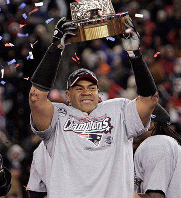 EXCLUSIVE: Junior Seau's Son Legally Drops Father's Name ...